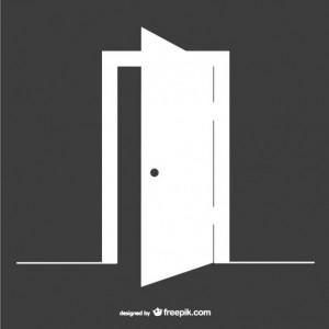 nyitott ajtó